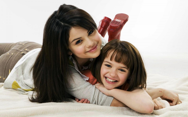 Selena Gomez Cute Wallpapers Selena Gomez In Ramona And Beezus Wallpapers Hd