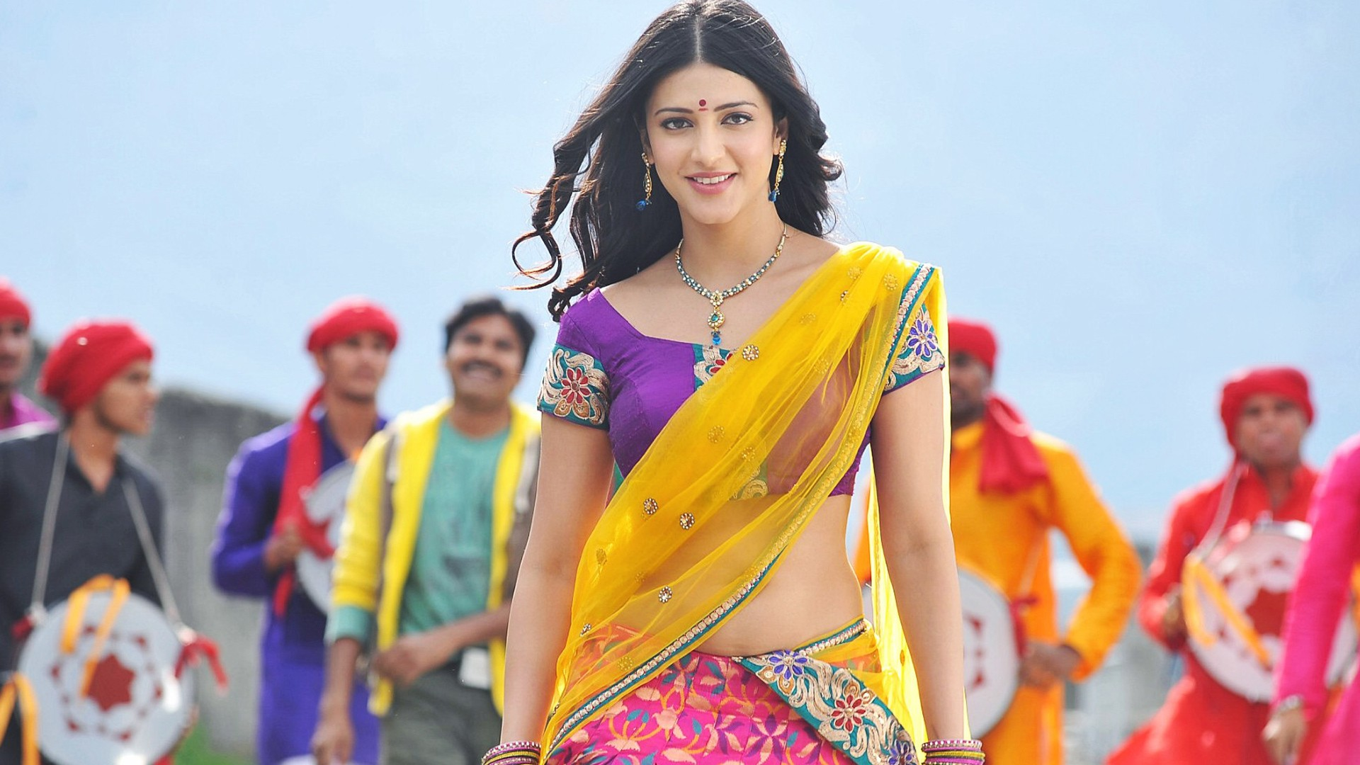 Gabbar Singh Wallpapers Hd Shruti Hassan In Gabbar Singh Wallpapers Hd Wallpapers