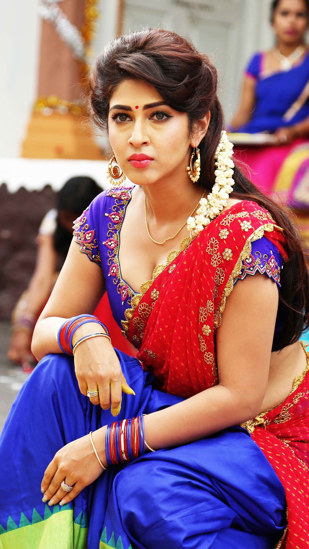 Iphone 5s Home Screen Wallpaper Sonarika Bhadoria In Saree Wallpapers Hd Wallpapers Id