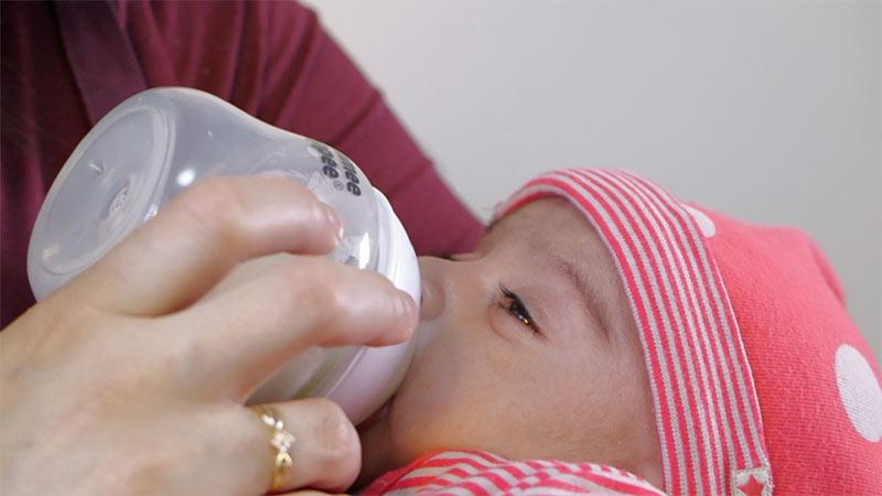 Baby-bottle-web