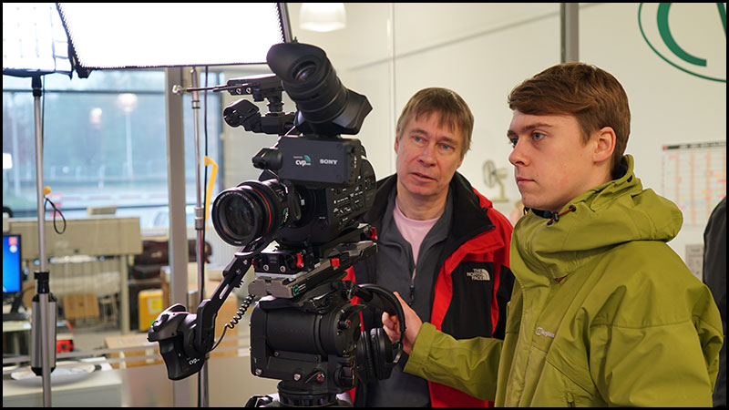 looking-at-fs7