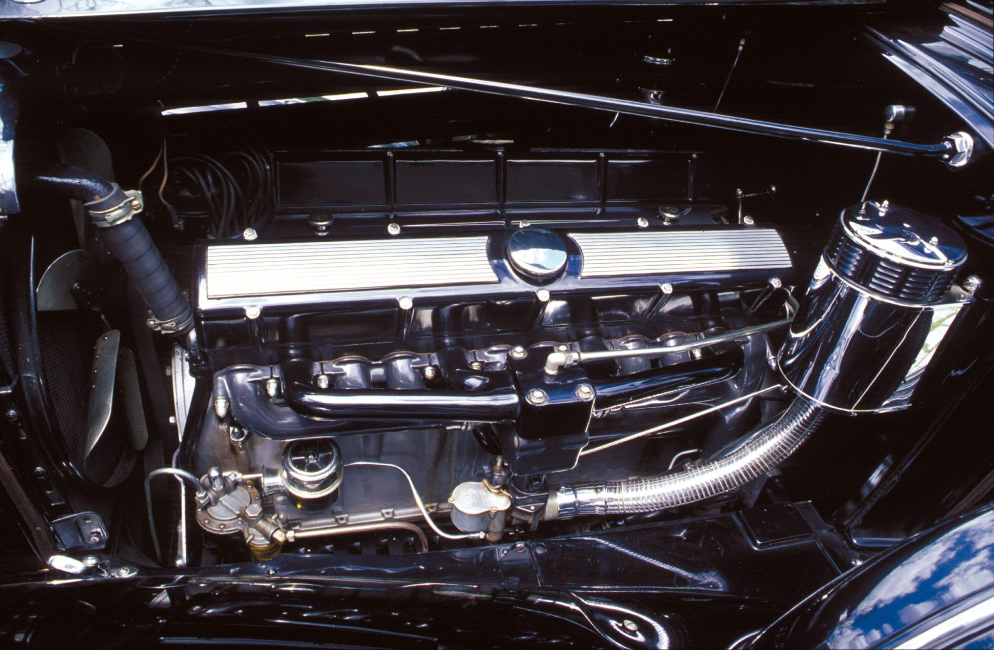 hight resolution of v16 engine cadillac aero dynamic coupe by fleetwood