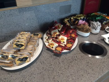 Aer Lingus Virgin Little Red lounge Heathrow biscuits review