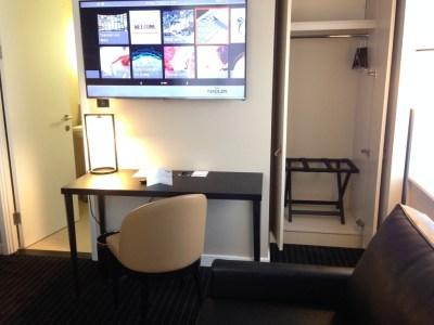 Nadler Hotel Victoria review - Desk Wardrobe