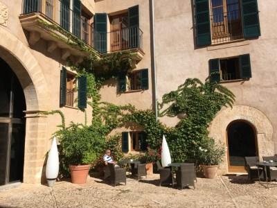 Hilton Sa Torre Mallorca review courtyard