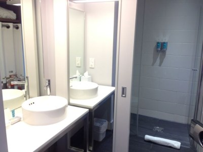 aloft liverpool hotel review room bathroom