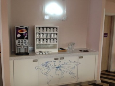 ibis styles heathrow airport review all day free coffee and tea