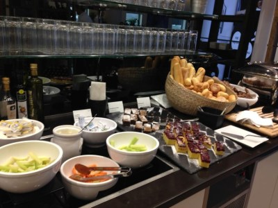 jet-lounge-vienna-airport-food-bread