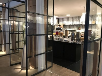 element-by-westin-review- amsterdam-restaurant-breakfast-food-area