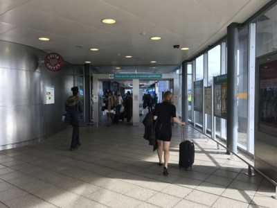 first-class-lounge-london-city-airport-jet-centre-dlr-arrival