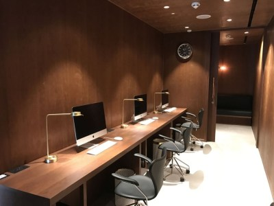 cathay-pacific-business-class-lounge-heathrow-terminal-3-business-centre