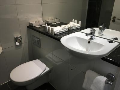 Park Inn Southend on Sea review bathroom