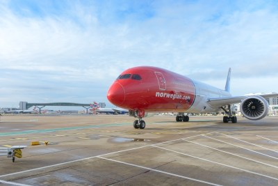 787 Dreamliner at LGW small Norwegian - premium review