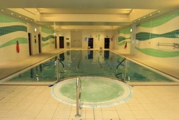 London Heathrow Marriott hotel pool