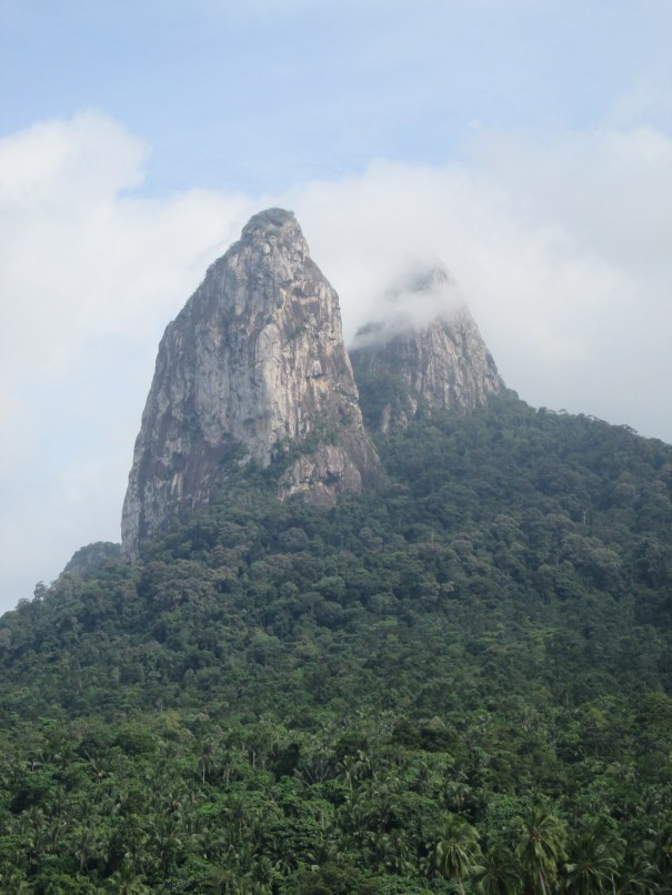 A closer look on the Twin Peaks - The Dragon's Horns on Tioman Island