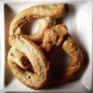 [cml_media_alt id='3007']Taralli, ring shaped savoury bread sticks[/cml_media_alt]