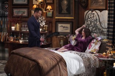 Joel McHale as Phil, Megan Mullally as Karen Walker in the Will & Grace episode Filthy Phil Part wo