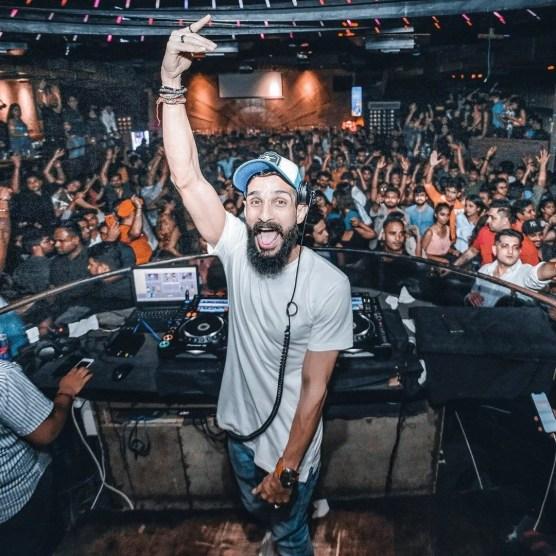 DJ Monitor Headphones playtime