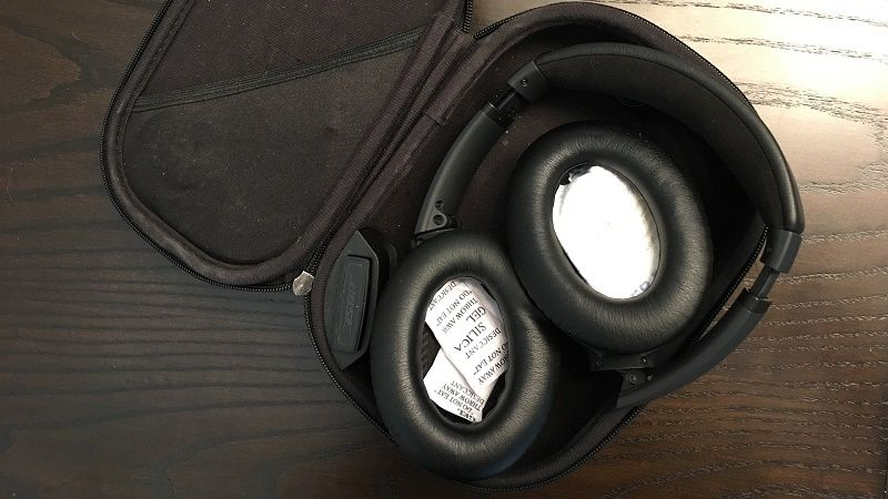 silica gel in headphone earcup
