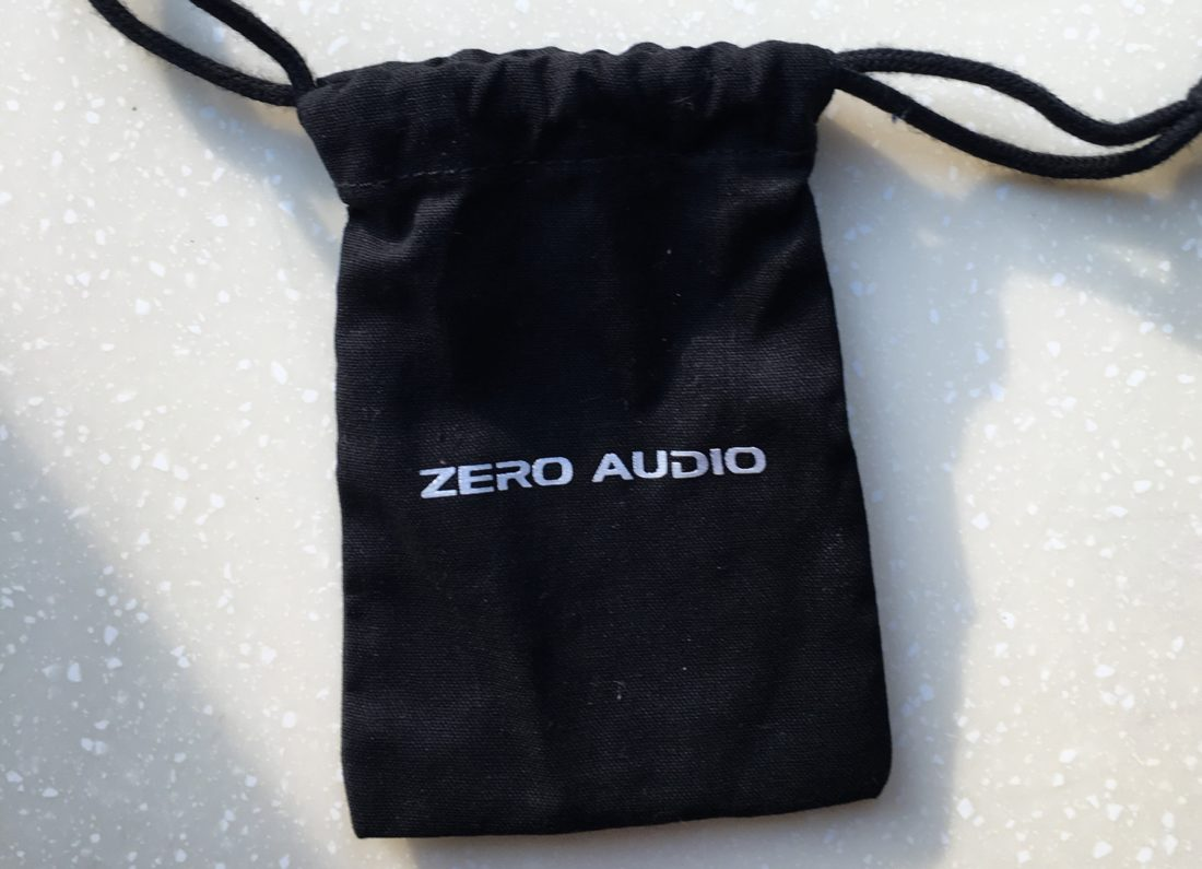 Carbo Tenore fabric carry case