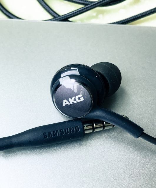 Review: Samsung Galaxy S8 AKG Headphone