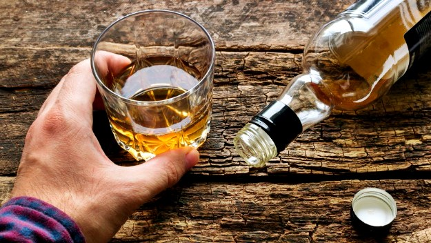 Don't Gorge On Alcohol | How To Prevent Glaucoma Naturally