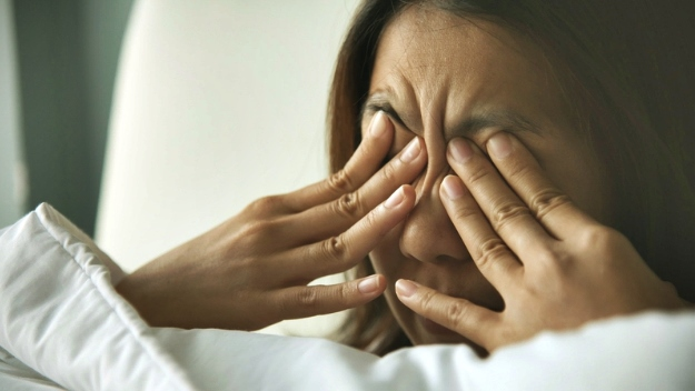 Symptoms of Eye Floaters | What Are Eye Floaters And How To Tell If You Have Them?