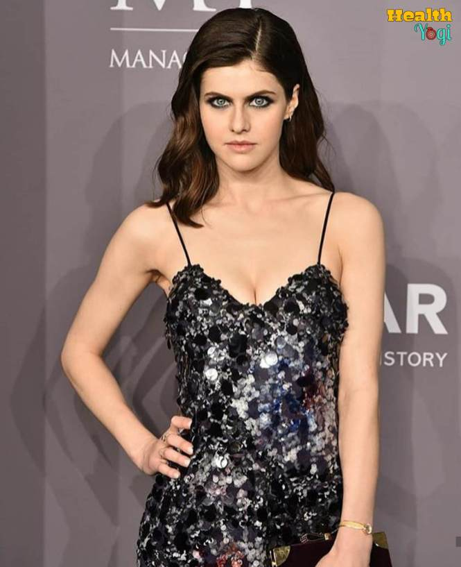 Alexandra Daddario beauty