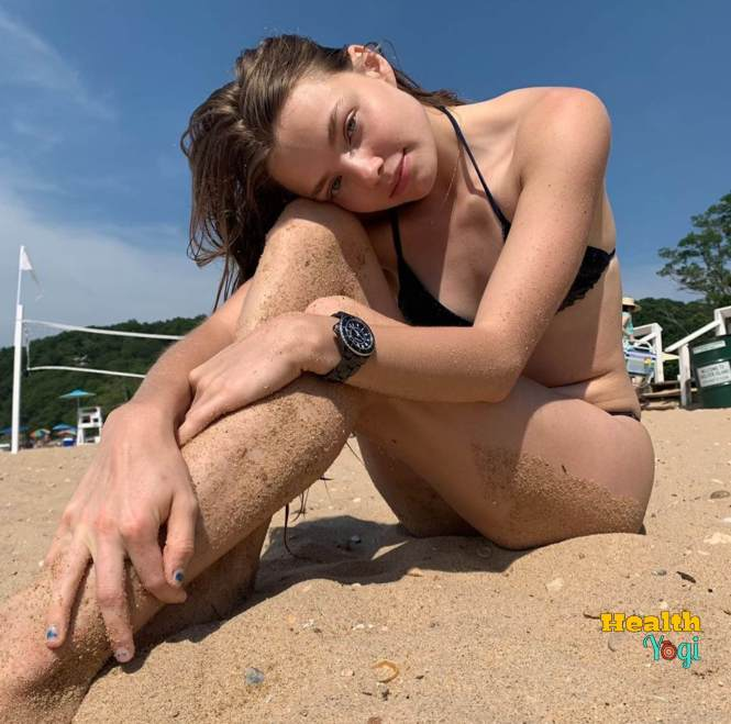 Kristine Froseth hot body HD Photo