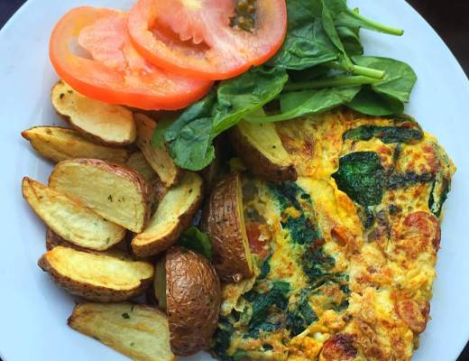 Spinach tomato omelette