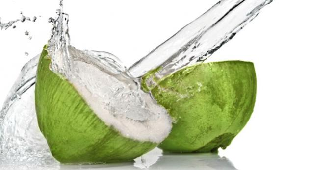 Coconut water to reduce body heat