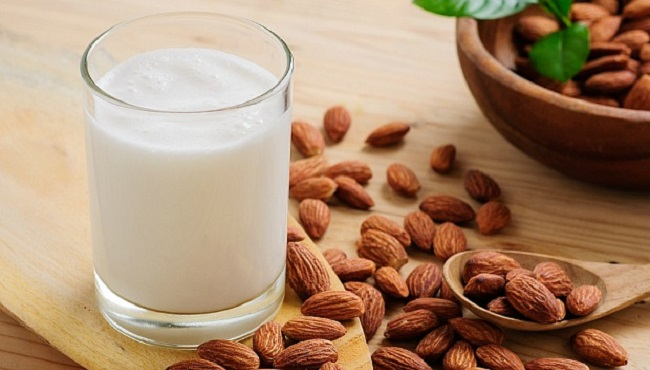 Health benefits of almond milk