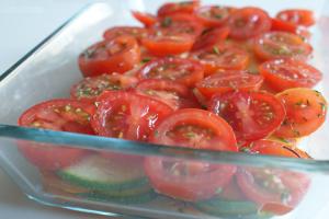 Ovenschotel met courgette, tomaat en zoete aardappel