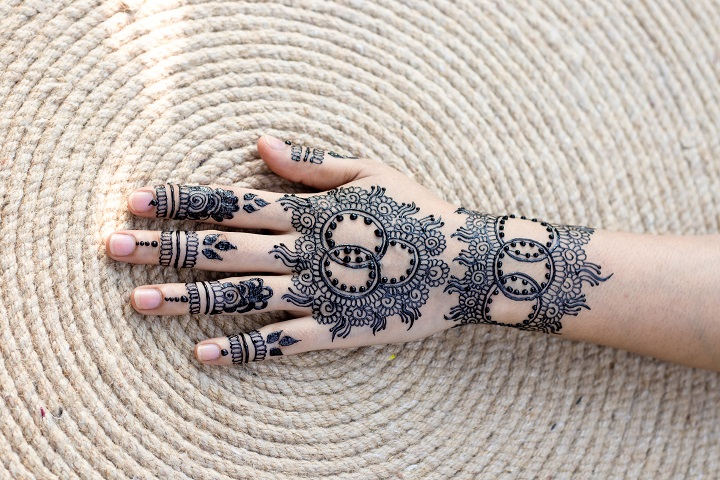 Henna Designs: Uses And Applications of Henna Designs