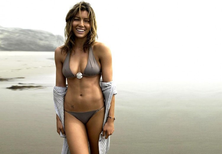 Top 10 Fittest Hollywood Actresses