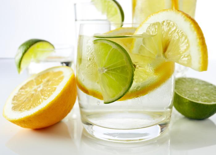 Top 10 Health Benefits of a Lemon Water Detox