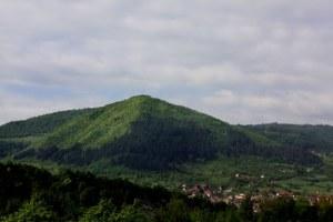 Pyramid-of-the-Sun-Visocica-Hill