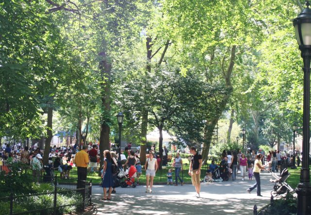 Madison_Square_Park_on_a_summer_morning