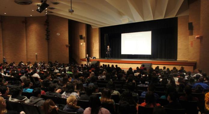 MacArthur HS seminar