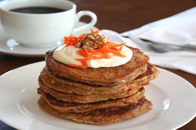 Carrot-Cake-Pancakes-5