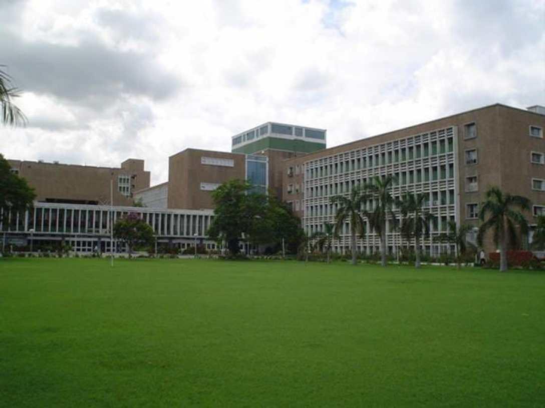 As monsoon season looms, hospitals prepare for dengue cases