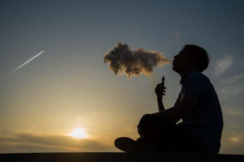 E-cigarettes. Copyright: <a href='https://www.123rf.com/profile_romankosolapov'>romankosolapov / 123RF Stock Photo</a>