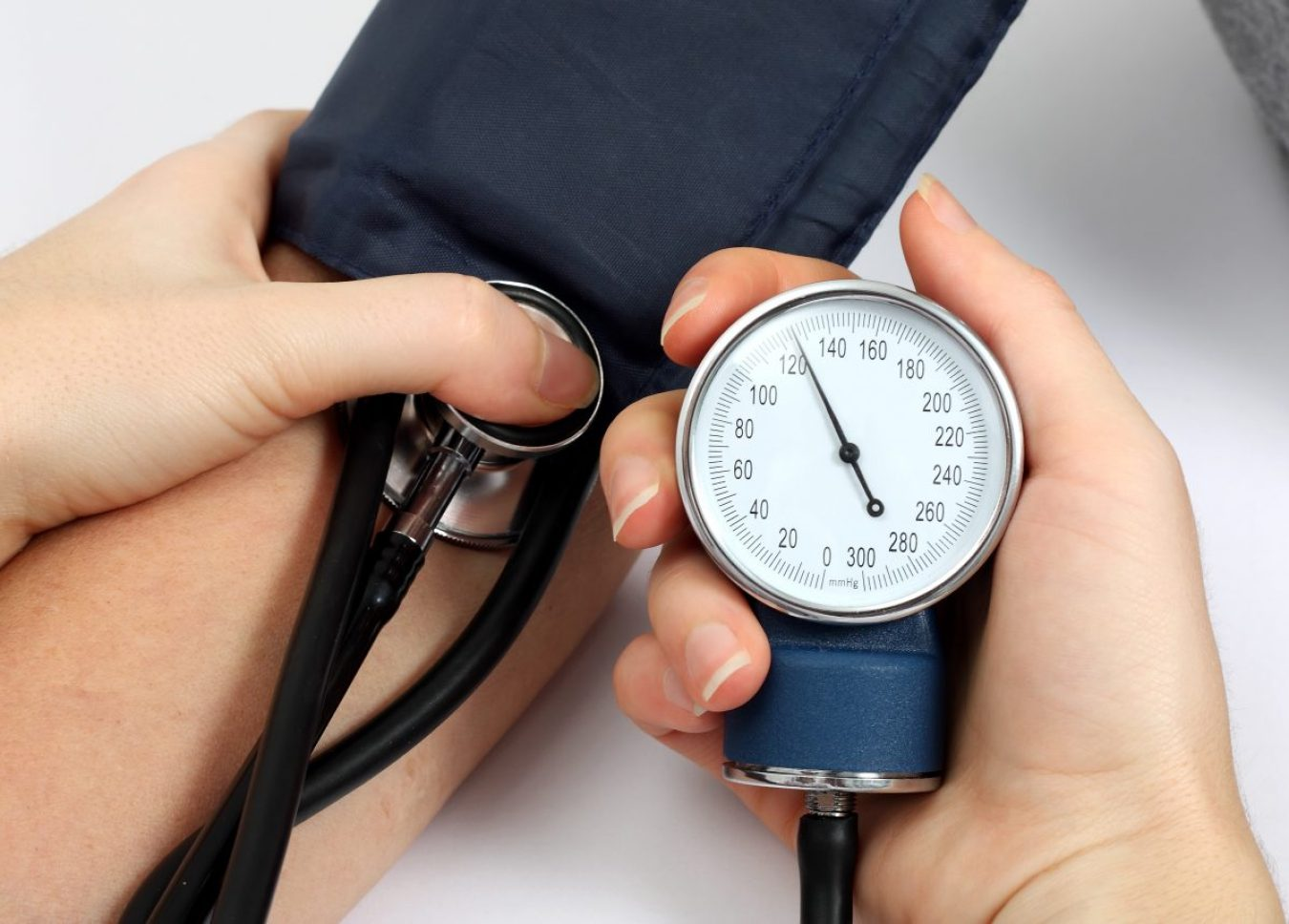 Image ID: 41664023 (L). Image credit: Levente Gyori / 123rf. Used for World Hypertension Day 2021