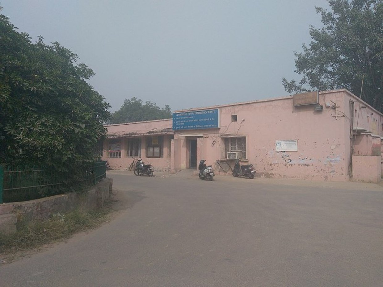 Mohalla Clinics vs. Ayushman Bharat: The war over health models