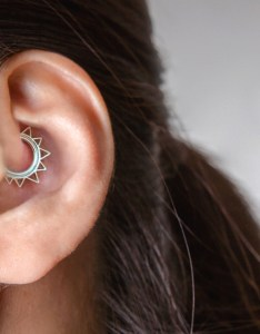 Daith piercing for anxiety also potential benefits and risks rh healthline
