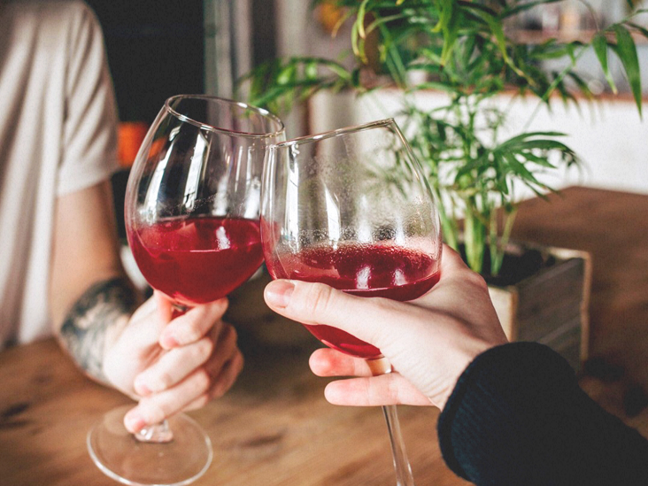 Does Alcohol Thin Your Blood? Short- and Long-Term Effects