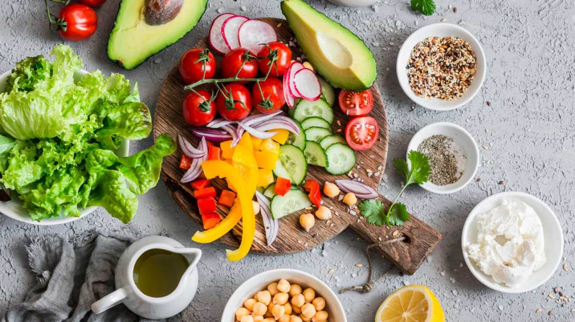 A 1,000-Calorie Diet: Guidelines, Sample Menu, and Precautions