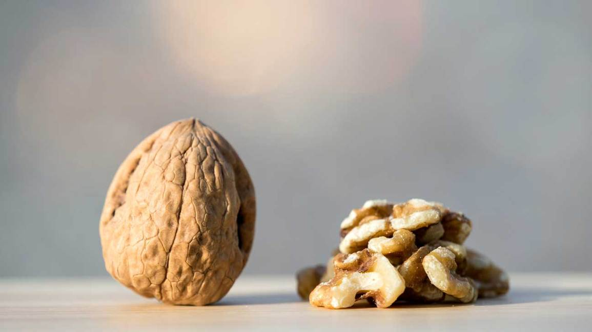 13 Proven Health Benefits Of Walnuts