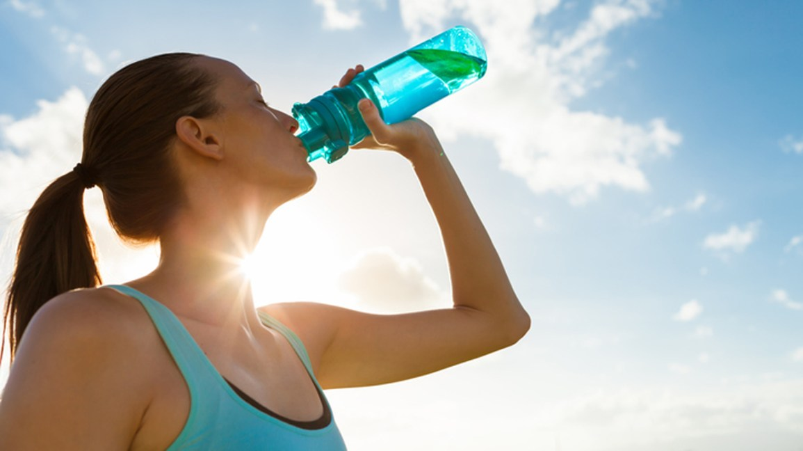 Does Water Intake Affect Energy Levels and Brain Function?