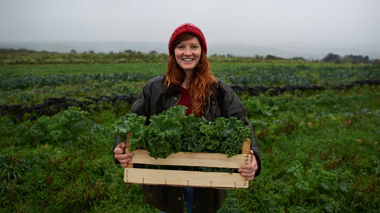 Is kale safe to eat raw